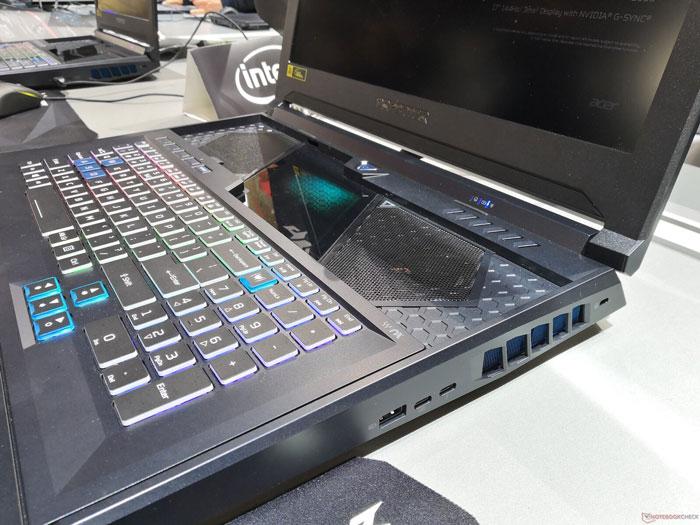 Acer-Predator-Helios-700-2